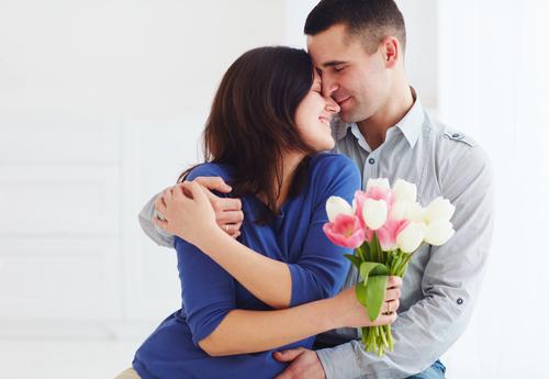 20〜30代の妻が喜ぶ誕生日プレゼントおすすめランキング20選|日頃の愛を込めて贈る!2020年感動のサプライズ商品