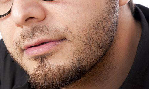 髭が濃い人には共通する原因があった…青髭・無精髭から卒業できる対策を徹底解説