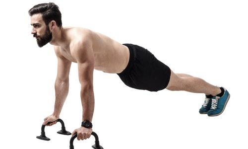 【筋トレ効果が倍に!】プッシュアップバーの使い方8選|大胸筋や背筋を効率的に鍛えるトレーニングメニュー