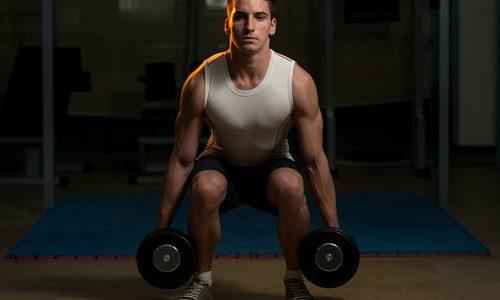ダンベルスクワットのやり方8選|下半身を効率的に鍛えるトレーニングメニューを徹底解説