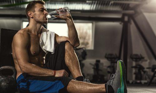 下半身の筋トレメニュー10選|自重やジム器具使用などタイプ別!太ももやお尻、ふくらはぎの筋肉強化に効果的