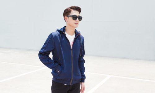ネイビーパーカーの着こなし10選|シンプルかつ上品に仕上げるコーデ&メンズに人気のアイテムまとめ