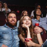 カップルシートのある東京の映画館8選|二人の世界で映画鑑賞デート!選び方とおすすめの映画館を紹介