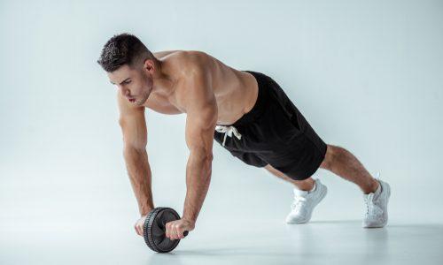 腹筋ローラーで背筋も!【レベル別】女性がついていきたくなる背中を作る鍛え方|筋肉痛の対処法も解説