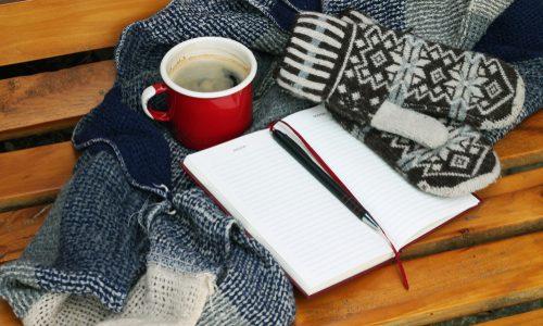 防寒グッズ最新おすすめランキング14選|室内・外のシーン別!厳しい冬も暖かく乗り切る人気商品