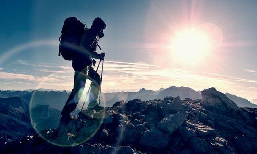 マウンテンハードウェアおすすめアイテム14選|本格登山からタウンユースまで評判のリュックやアウターなどを紹介